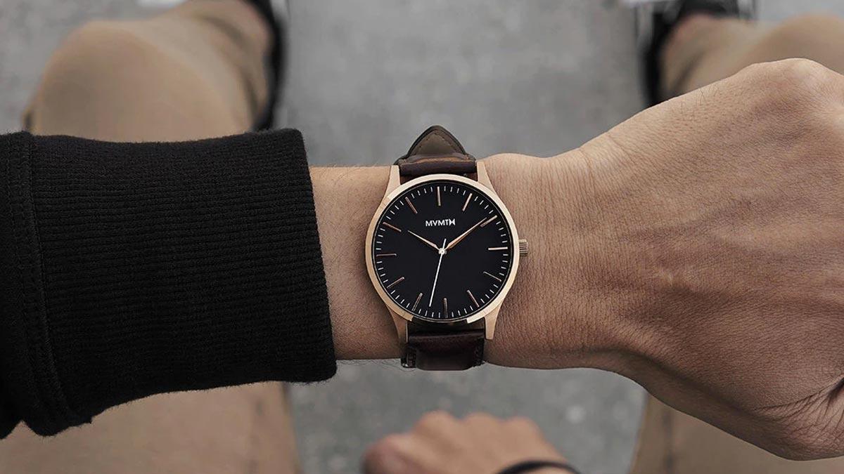 Elegancki zegarek MVMT ze skórzanym paskiem