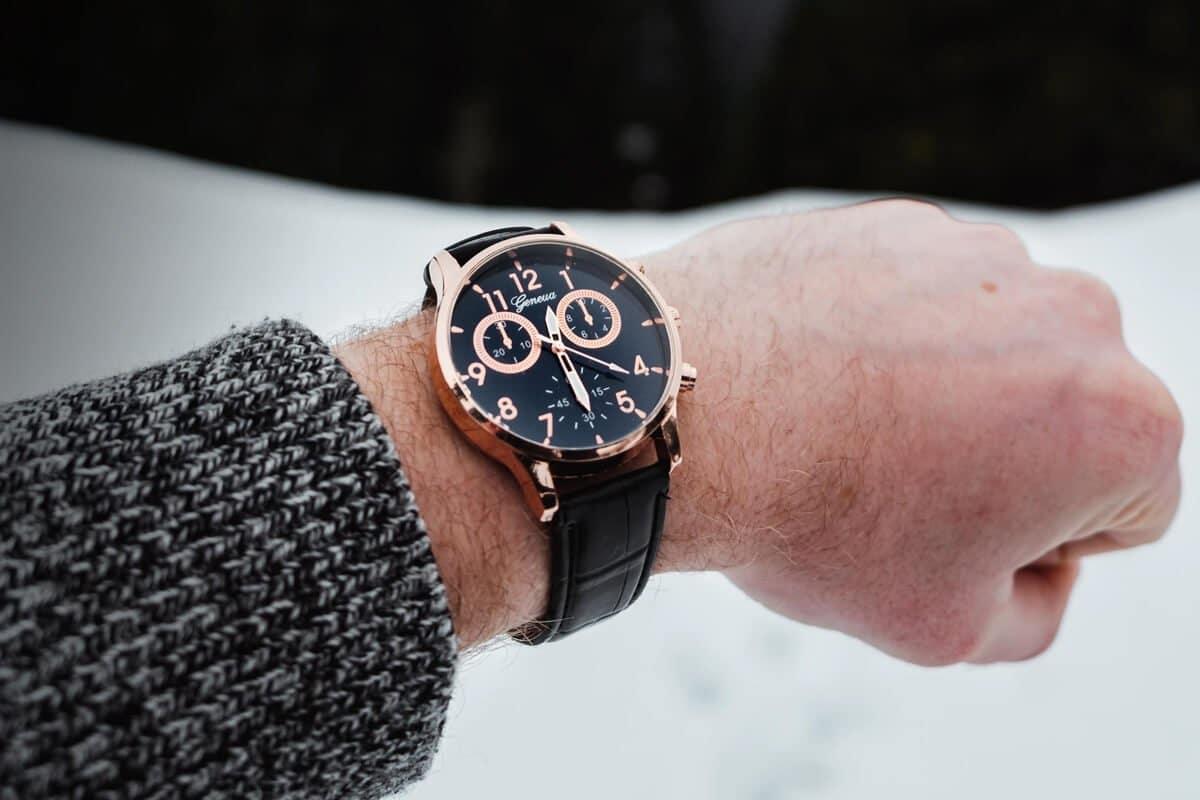 Jak wybrać zegarek? Odpowiadamy na podstawowe pytania